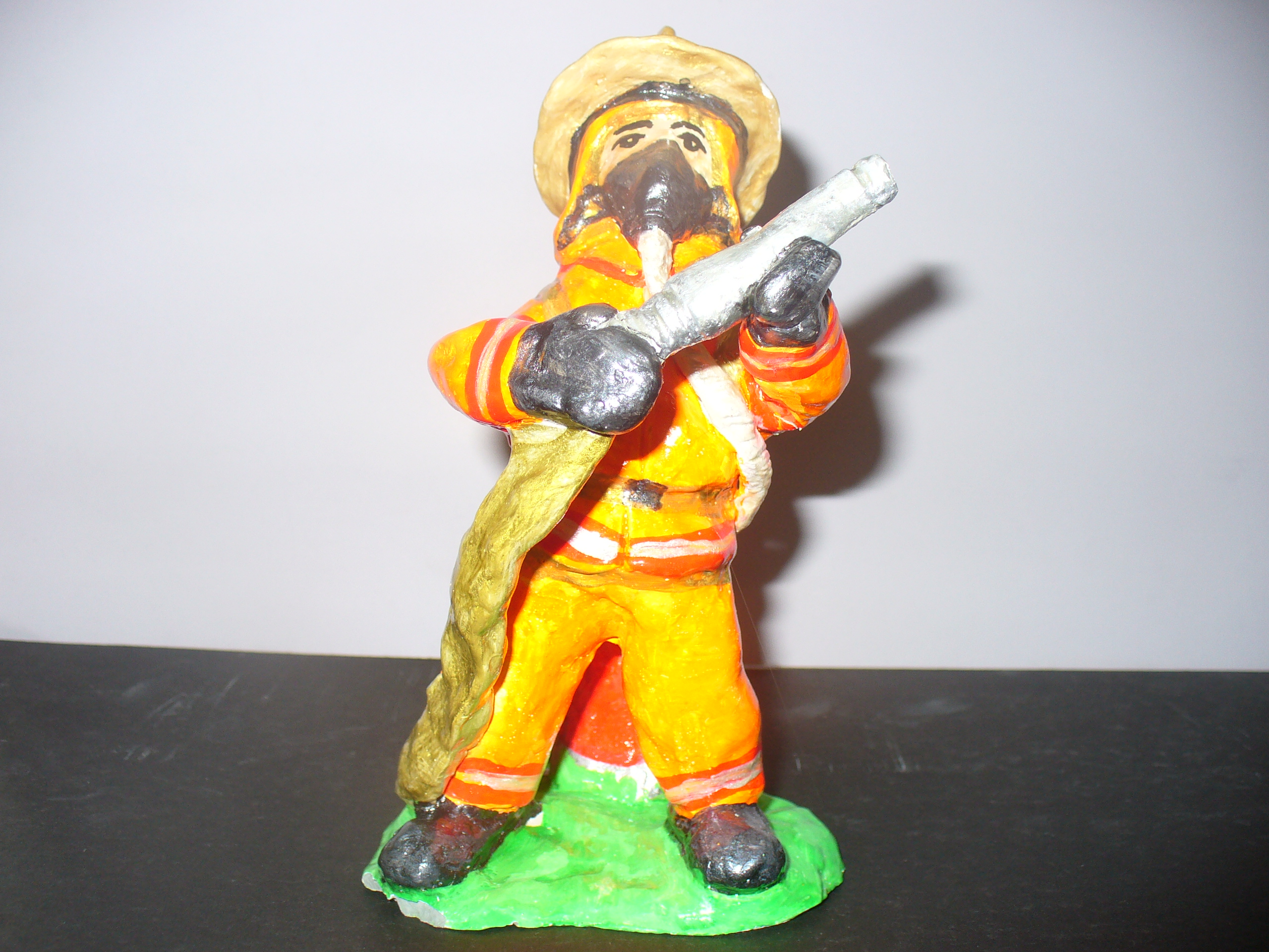 Пожарник своими руками 16